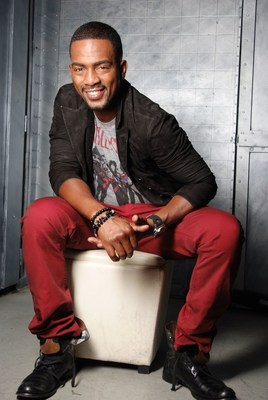 Bill Bellamy, actor, comedian and entertainer has been named the new host of Let's Ask America, the daily, half-hour nationally syndicated television game show that premieres Sept. 8 (check your local listings) (PRNewsFoto/The E.W. Scripps Company)
