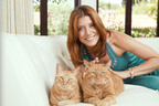 Kate Walsh joins Purina Cat Chow to support Susan G. Komen for the Cure.  (PRNewsFoto/Purina Cat Chow)