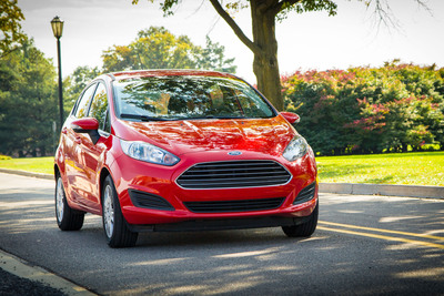 2014 Ford Fiesta with the award-winning 1.0-liter EcoBoost(R) engine achieves best-in-class 45 mpg highway.  (PRNewsFoto/Ford Motor Company)