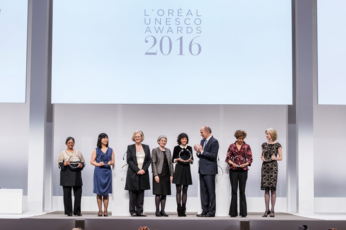 L'Oréal-UNESCO Awards 2016 (PRNewsFoto/L'Oreal Foundation)