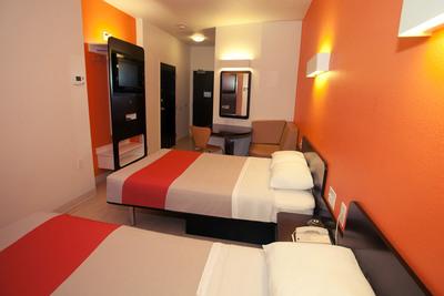 Motel 6 celebrates 50th Anniversary with renovated, stylish, eco-friendly rooms.  (PRNewsFoto/Motel 6)