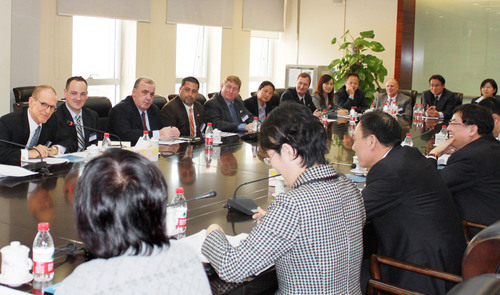 Pan Am and US Aviation Trade Delegation meeting with the CEO of Air China as part of recent trade mission to China.   (PRNewsFoto/Pan Am International Flight Academy)