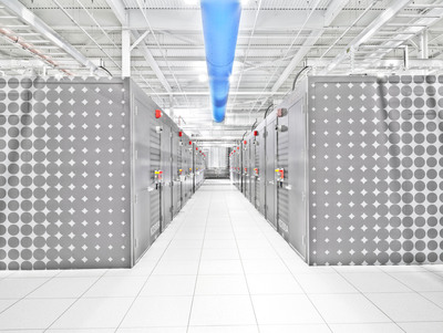 IO has set the new industry standard with Data Center 2.0 by changing the way data centers are assembled, consumed and operated-affording clients greater capital savings, operational efficiencies and energy conservation.  (PRNewsFoto/IO)