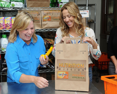 "One A Day® Women's, Feeding America® and Sheryl Crow Celebrate Heroes on a ""Nutrition Mission"" to Fight Hunger in Local Communities"