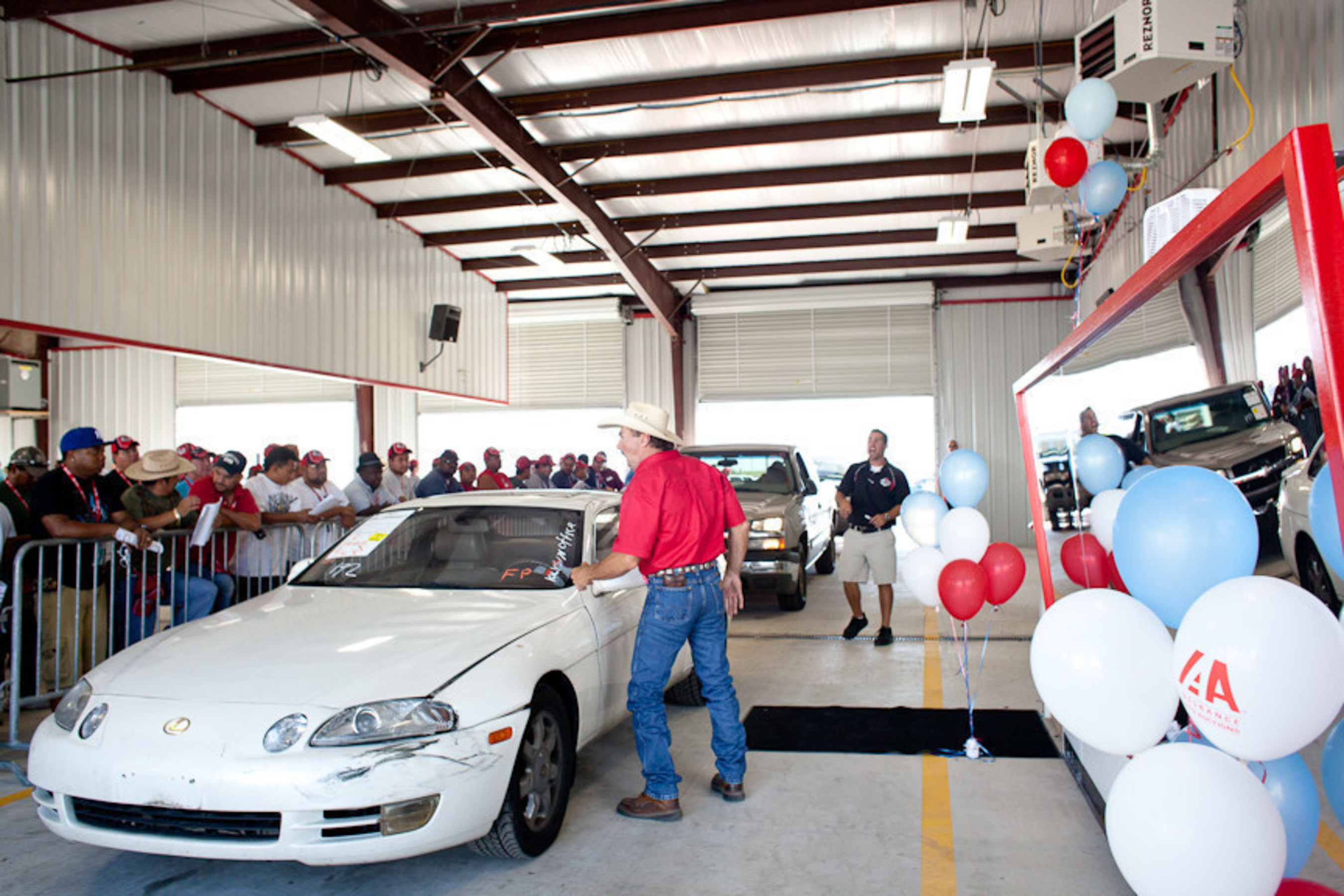 insurance auto auctions increases presence in