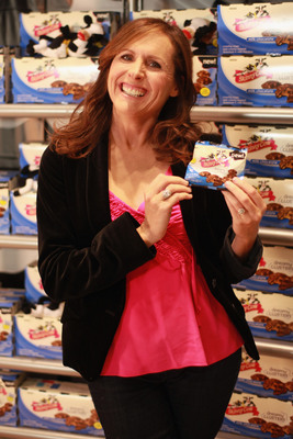 Molly Shannon thinks delicious, satisfying, low calorie Skinny Cow Candy will redefine candy as we know it!  (PRNewsFoto/Skinny Cow, Chris Weeks/WireImage)