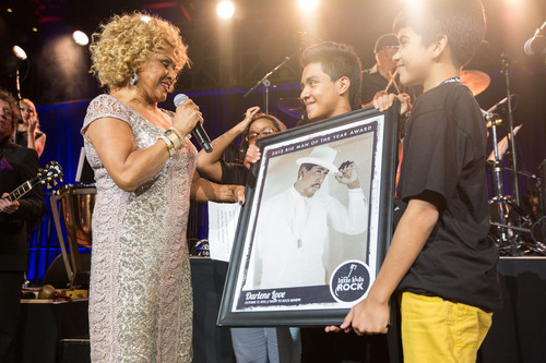 "For her continued dedication to music education in the classroom Darlene Love was presented with the ""Big Man of the Year Award"" during the Right to Rock Benefit, hosted by Little Kids Rock last night. (PRNewsFoto/Little Kids Rock)"