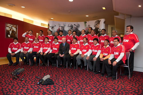 Manchester United Extends a Warm Welcome to the Chilean Miners