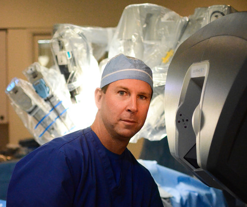 Dr. David Echevarria performs single site surgery for gall bladder removal at the Advanced Center for Robotic ...