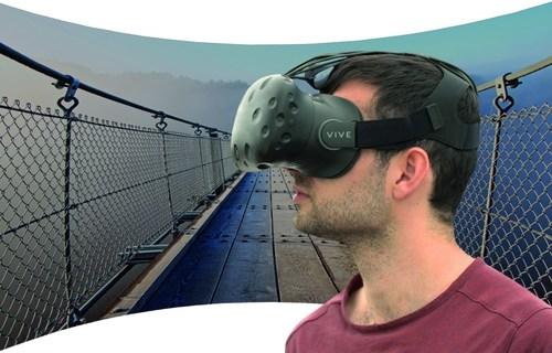 HTC Vive with SMI eye tracking @ 250 Hz (PRNewsFoto/SensoMotoric Instruments GmbH)
