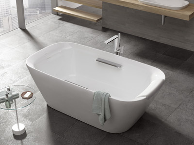 The new NEOREST freestanding soaking tub is an elegant sculptural form with clean, simple lines.Constructed of reinforced marble, this soaking tub has a deep bathing well that offers total body immersion and sublime comfort for a truly relaxing soak. Its generous length will easily accommodate two.