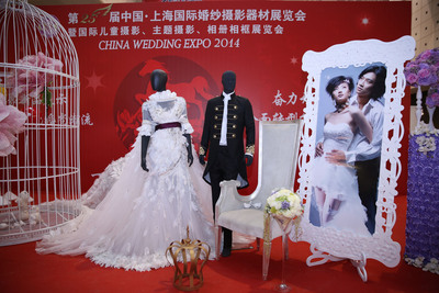 China Wedding Expo becomes the trendsetting event for China's wedding photography industry.  (PRNewsFoto/Shanghai International Exhibition Co. Ltd.)