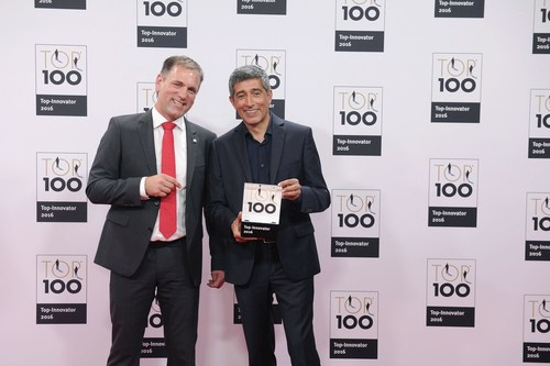 Jörg Walden, CEO (left) (PRNewsFoto/iPoint-systems gmbh)