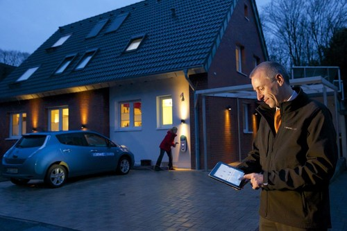 As the provider of the RWE SmartHome home automation system, intelligent device communication is familiar territory for the company. (PRNewsFoto/RWE Effizienz) (PRNewsFoto/RWE Effizienz)