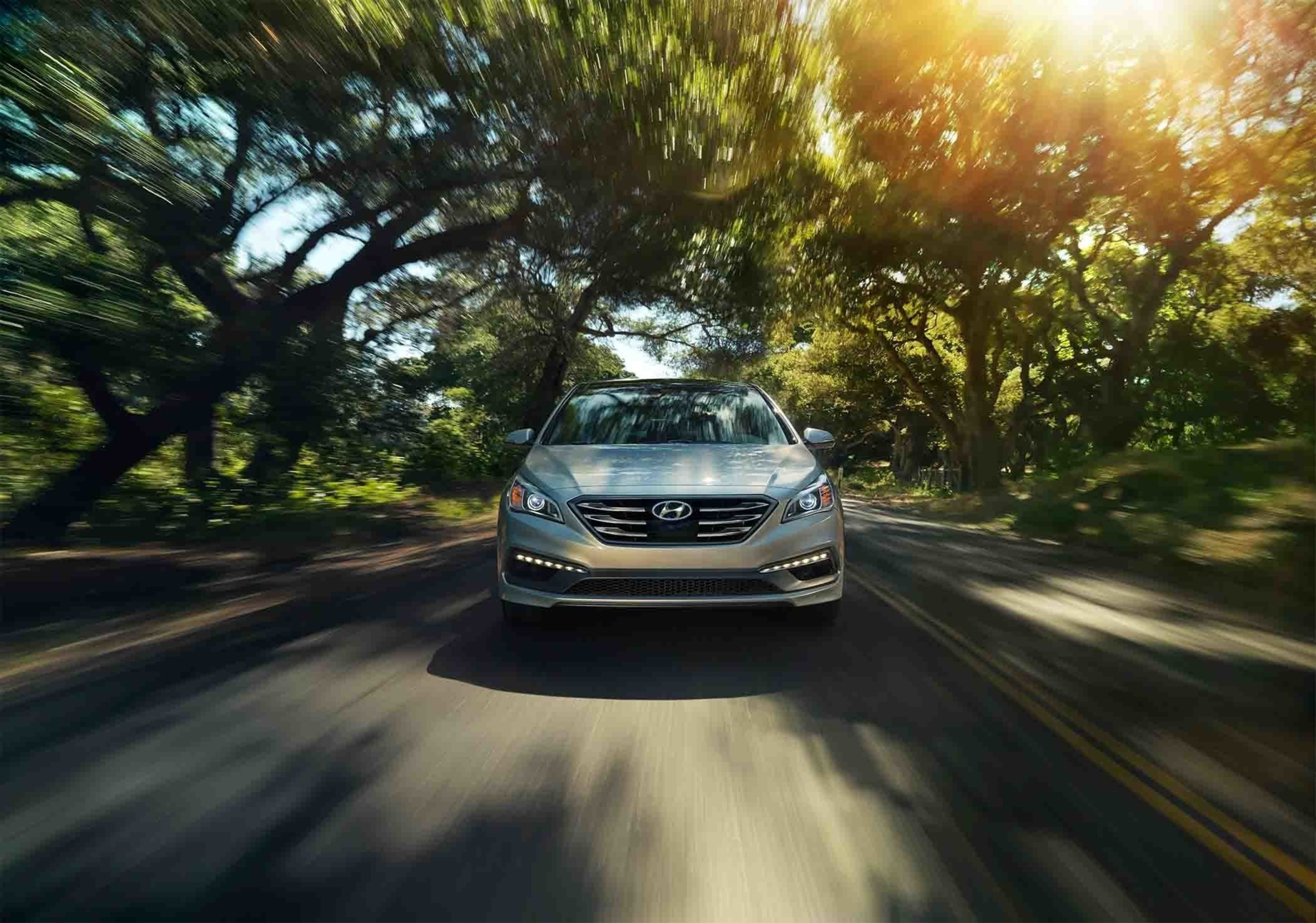 2017 HYUNDAI SONATA ADDS DYNAMIC BENDING LIGHT TO A BEVY OF AVAILABLE SAFETY FEATURES
