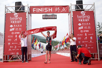 Olympic Gold Medalist Alistair Brownlee And 70.3 World Champion Holly Lawrence Win 2016 Beijing International Triathlon