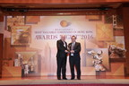 Jime Essink, President & CEO of UBM Asia, (on the right) receives 'Asia's Most Reliable Trade Show Organiser Award'