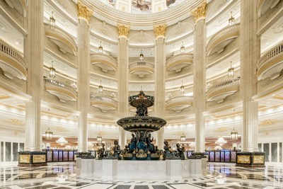 An expansive and elegant rotunda awaits visitors of The Parisian Macao.