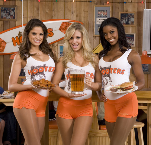Hooters Celebrates 28th Anniversary on October 4th with Buy 10 Get 10 Free Wing Offer