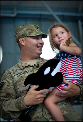 SeaWorld Parks & Entertainment Salutes Military with 'Waves of Honor' Program