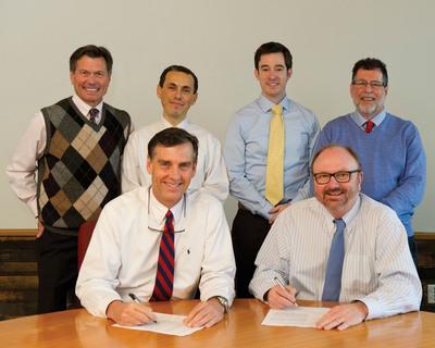 Parker Hannifin and Shepherd Center Executives Sign Indego Agreement. (PRNewsFoto/Parker Hannifin Corporation) (PRNewsFoto/PARKER HANNIFIN CORPORATION)