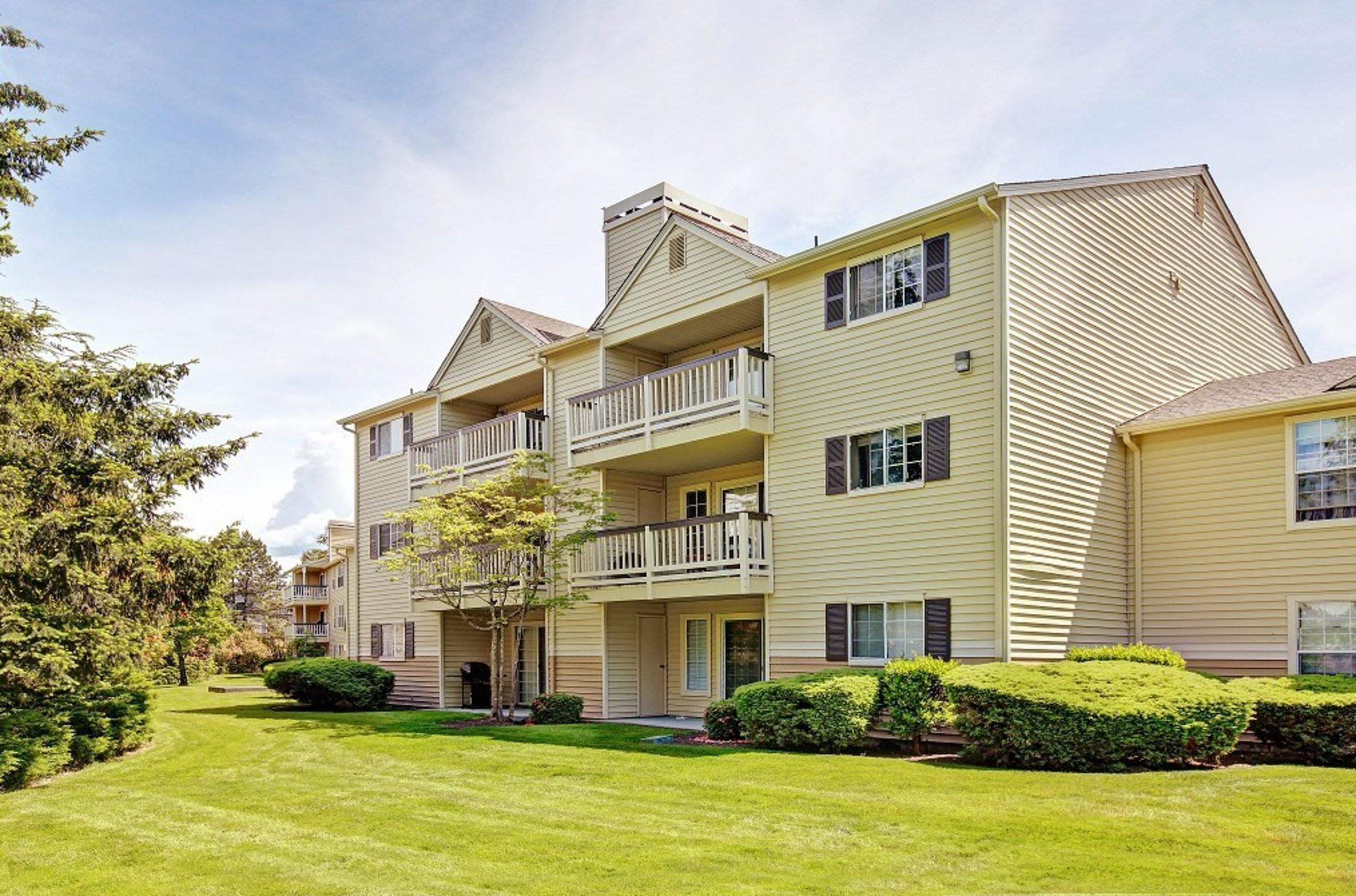 Waters Edge Apartments - Kent, Washington