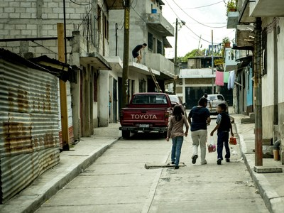Children walking the streets of Guatemala. An estimated 23% of child refugees from Guatemala cite violence in their home as a reason for leaving.