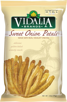 New Vidalia(R) Sweet Onion Petals(TM) snacks from Inventure Foods feature real Vidalia(R) Onions in a crunchy better-for-you baked snack.  (PRNewsFoto/Inventure Foods, Inc.)