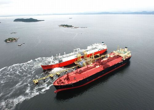 Angola LNG unloading its first cargo from the SS SONANGOL SAMBIZANGA at Petrobras' LNG receiving terminal in ...