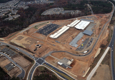 Horizon Group Properties and CBL & Associates Properties, Inc. Accelerated Grand Opening Date for The Outlet Shoppes at Atlanta.  (PRNewsFoto/Horizon Group Properties, Inc.)