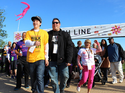 Actor Greg Grunberg and son Jake lead Epilepsy Foundation's National Walk in Washington DC.  (PRNewsFoto/Epilepsy Foundation)