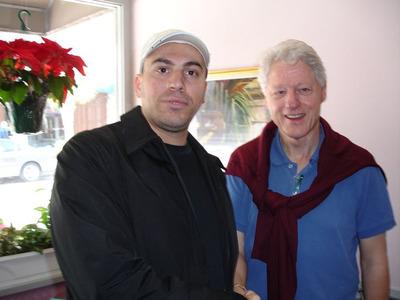 Former President Bill Clinton with Giovanni Gambino in Charleston, South Carolina.  (PRNewsFoto/Giovanni Gambino)