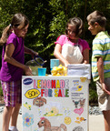 SQUEEZE FRESH LEMONADE FUN INTO SUMMER WITH SUNKIST TAKE A STAND PROGRAM: Nationally Renowned Program Returns with Refreshed Online Offerings Including a Chance to Win Special Edition Stands.  (PRNewsFoto/Sunkist Growers, Inc.)