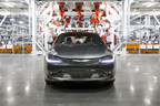 The Chrysler 200 Factory Tour takes consumers virtually inside SHAP to see how the all-new 2015 Chrysler 200 is built. (PRNewsFoto/Chrysler Group LLC)