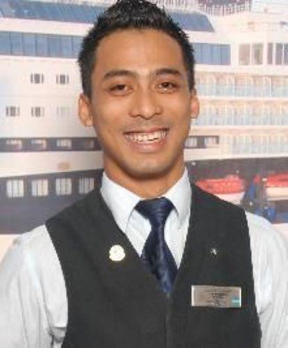Agus Gandu Adyana will represent Celebrity Cruises at the Diageo Reserve World Class Global Travel semi-final (PRNewsFoto/Diageo Global Travel)