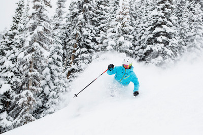 Skier Dave Velasco floats through up to a foot of fresh powder on Spider trail at Beaver Creek on Wednesday. Credit: Zach Mahone, Beaver Creek Resort. (PRNewsFoto/Vail Resorts, Inc.)