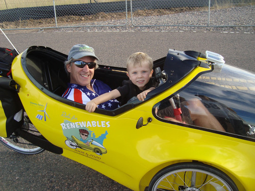 Reporting from Main Street America on His 'Rocket Trike,' Renewable Rider Finding Huge Support for