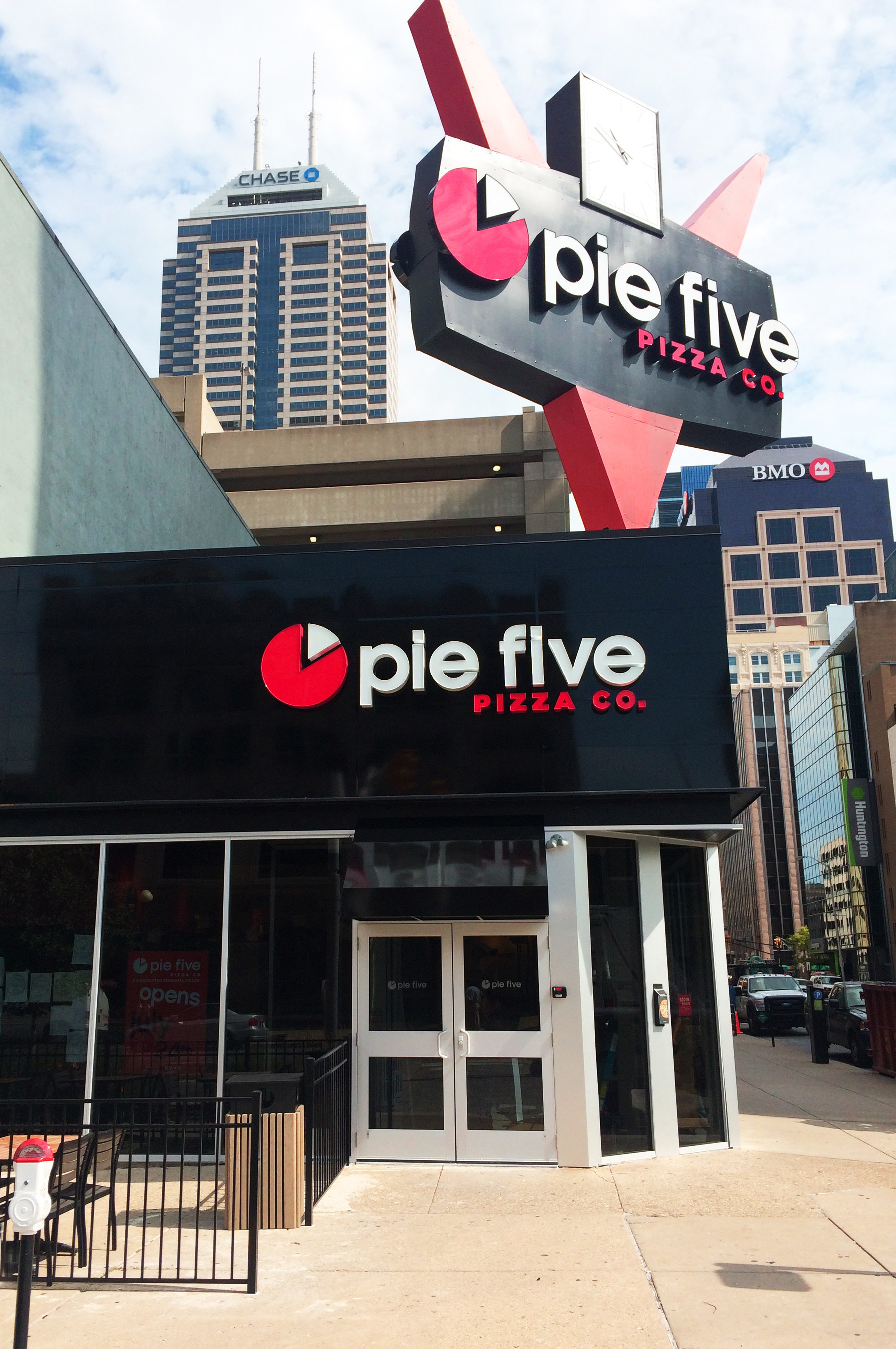 Pie Five Pizza Opens first Indiana location