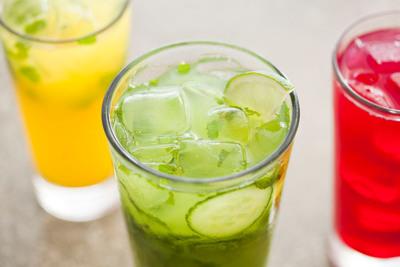 New LYFE Kitchen Spring Beverages.  (PRNewsFoto/LYFE Kitchen)