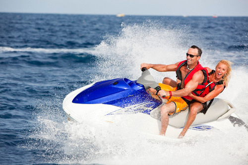 Watercraft Safety Tips from The Hanover Insurance Group, Inc.  (PRNewsFoto/The Hanover Insurance Group, Inc.)
