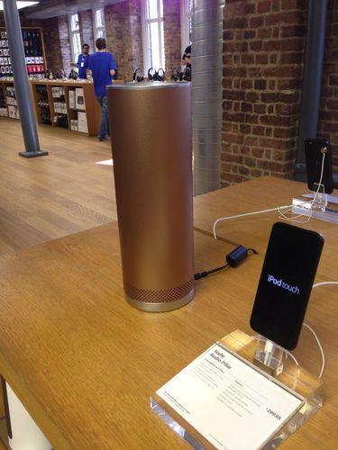 Stellé Audio's Pillar in Apple Store, Covent Garden