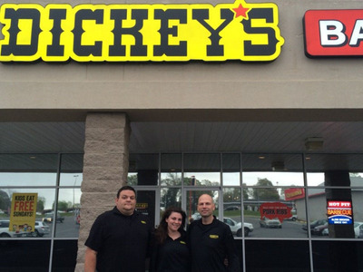 New Dickey's Barbecue in Gulfport hosts three-day party. (PRNewsFoto/Dickey's Barbecue Restaurants) (PRNewsFoto/DICKEY'S BARBECUE RESTAURANTS)