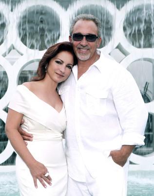 Gloria and Emilio Estefan (Photocredit: Jesus Carrero). (PRNewsFoto/Nederlander Organization, Jesus Carrero)