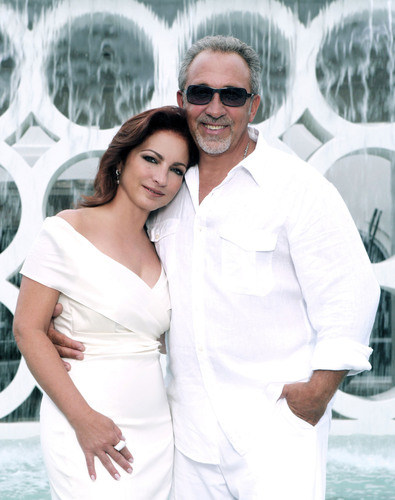 The Nederlander Organization Partners With Gloria & Emilio Estefan To Develop And Produce A New