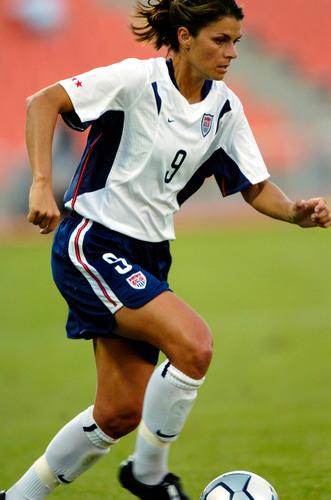 Yingli Green Energy Teams Up with U.S. Soccer Legend Mia Hamm and Verengo Solar. (PRNewsFoto/Yingli Green ...