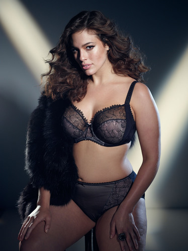 5ad9aedc7d8 Iconic plus size super model Ashley Graham launches her first ever ...