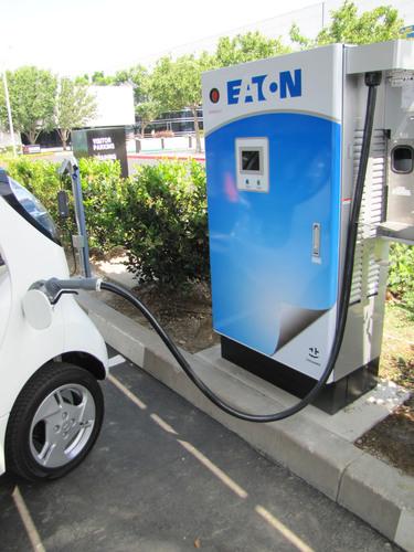 Mitsubishi Electric and Mitsubishi Motors Debut Solar-Powered Vehicle Charging Station