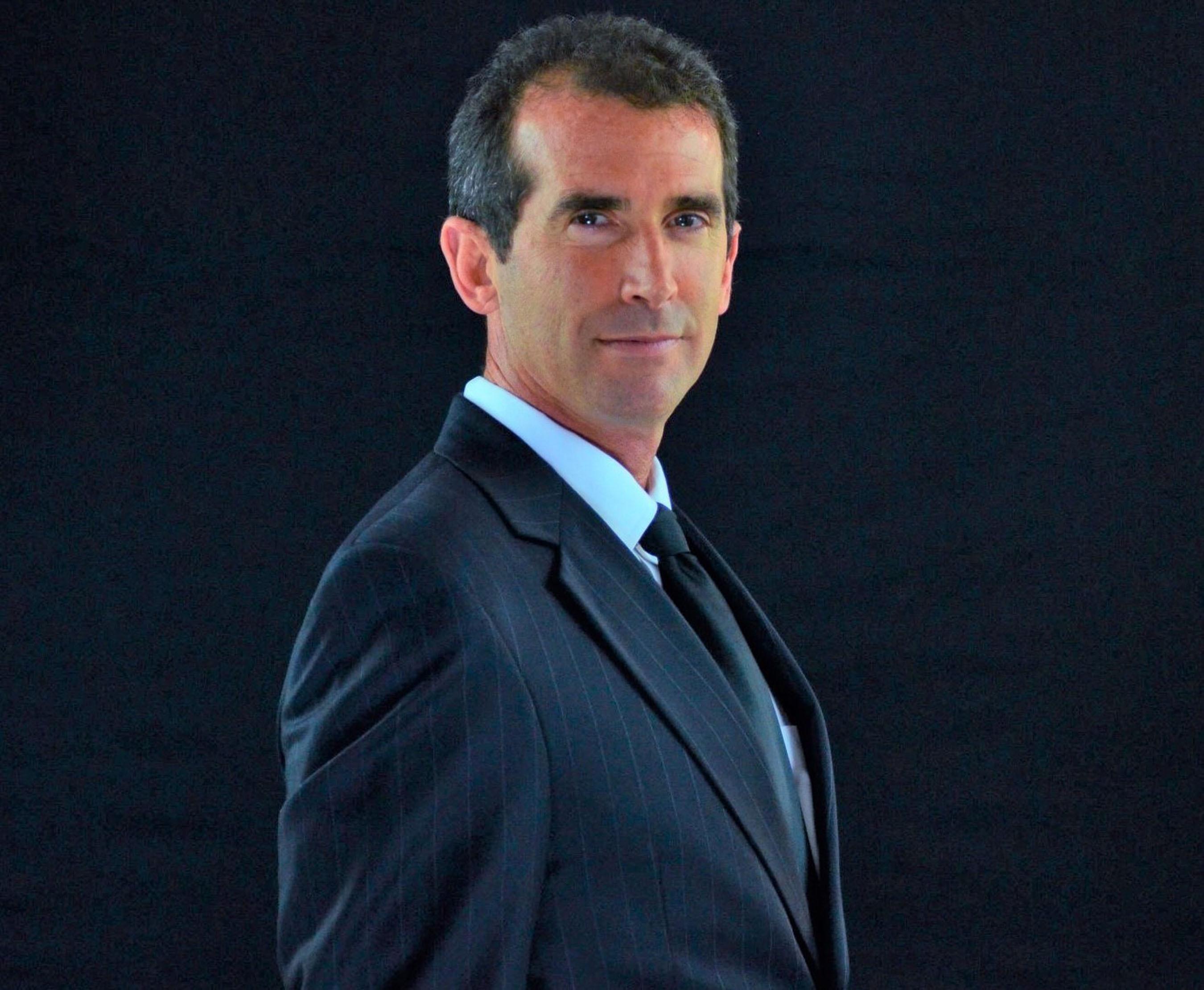 StemGenex(R) Medical Director, Dr. Mark Kalina, MD. (PRNewsFoto/StemGenex) (PRNewsFoto/STEMGENEX)