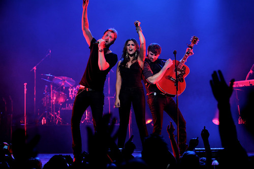 OfficeMax Joins Lady Antebellum's June 10 Fan Club Party to Benefit Nashville Flood Relief