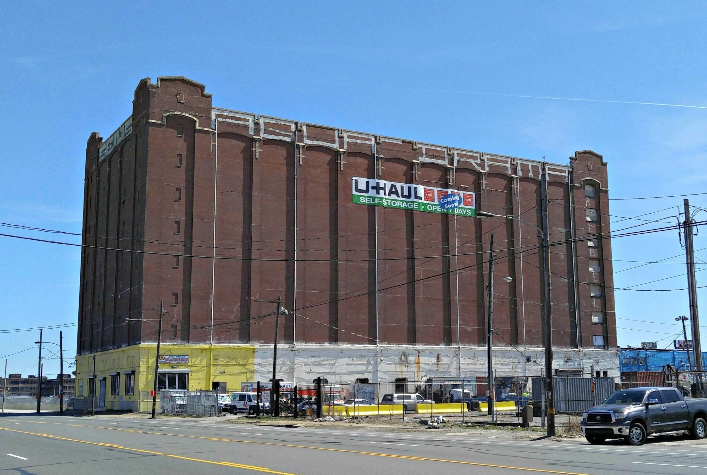 U-Haul Company's recent acquisition and adaptive reuse of the historic, eight-story Pennsylvania Railroad Company Cold Storage Warehouse has residents of South Philadelphia excited for a new full-service store for the do-it-yourself mover. U-Haul Moving & Storage of Riverview is located at 8 E. Oregon Ave.